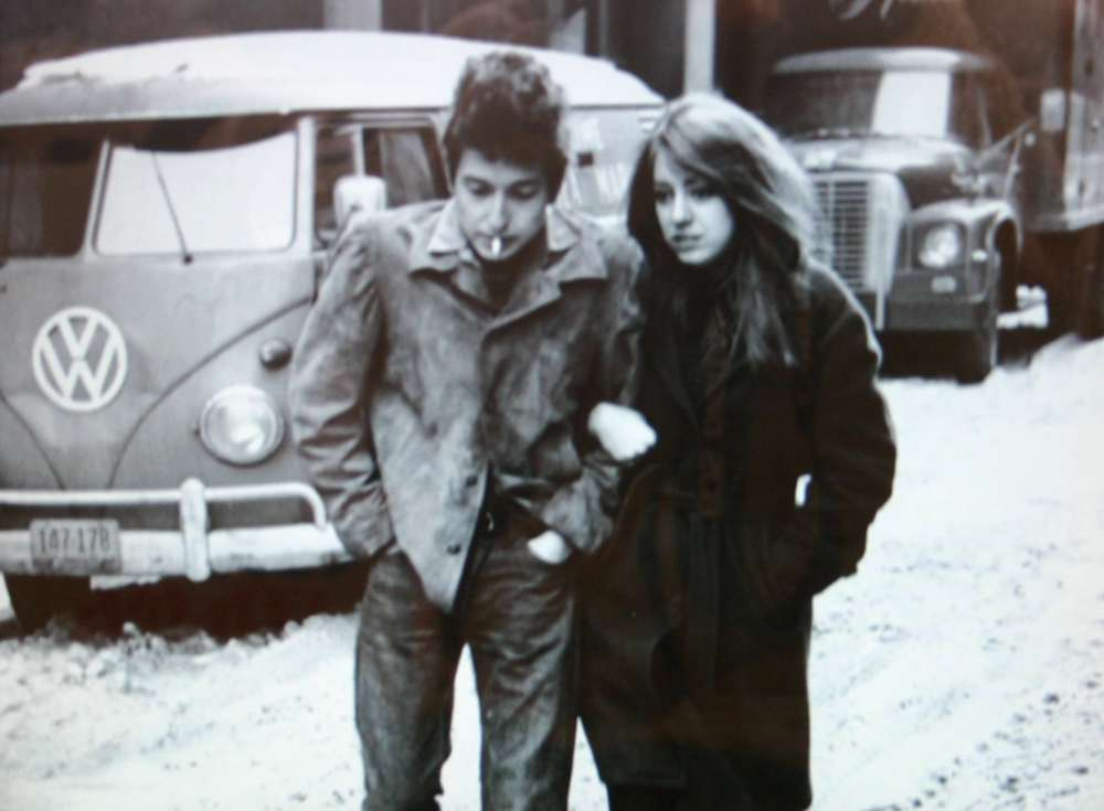 THE END OF A BEAUTIFUL LIFE THAT STARTED WITH ROMANCING BOB DYLAN