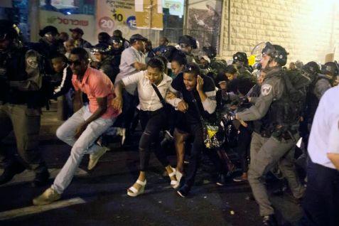 Police clamp down on an Ethiopian Israeli protest against police brutality, in Jerusalem on April 30 (Photo: Lior Mizrahi