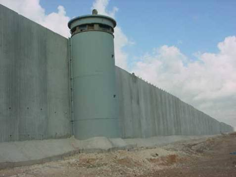 israel_wall_tower_2_UFNlj_3868
