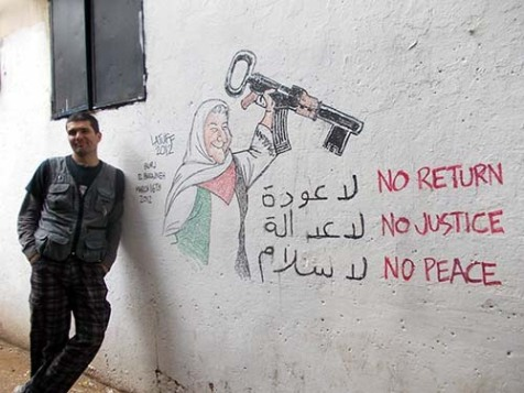 Latuff visiting the Burj El Barajneh area in Beirut (courtesy Latuff)