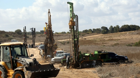 Construction on the border with Gaza (Photo: Roee Idan)