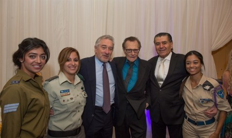 Robert De Niro, Larry King, and Haim Saban with soldiers (AJR Photography)
